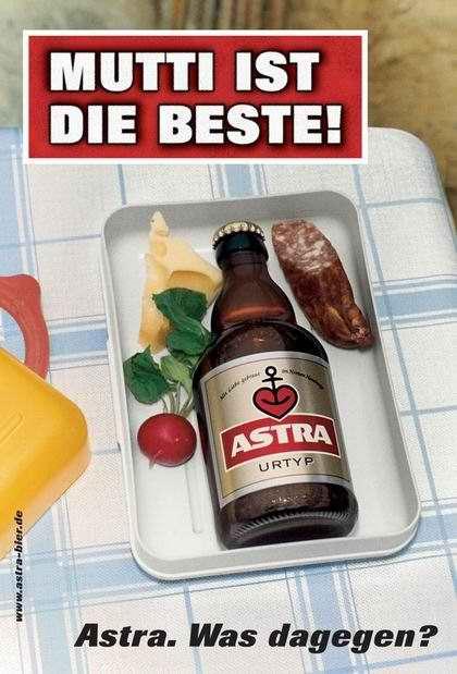 Plakatwerbung von Astra (passend zum bevorstehenden Muttertag)